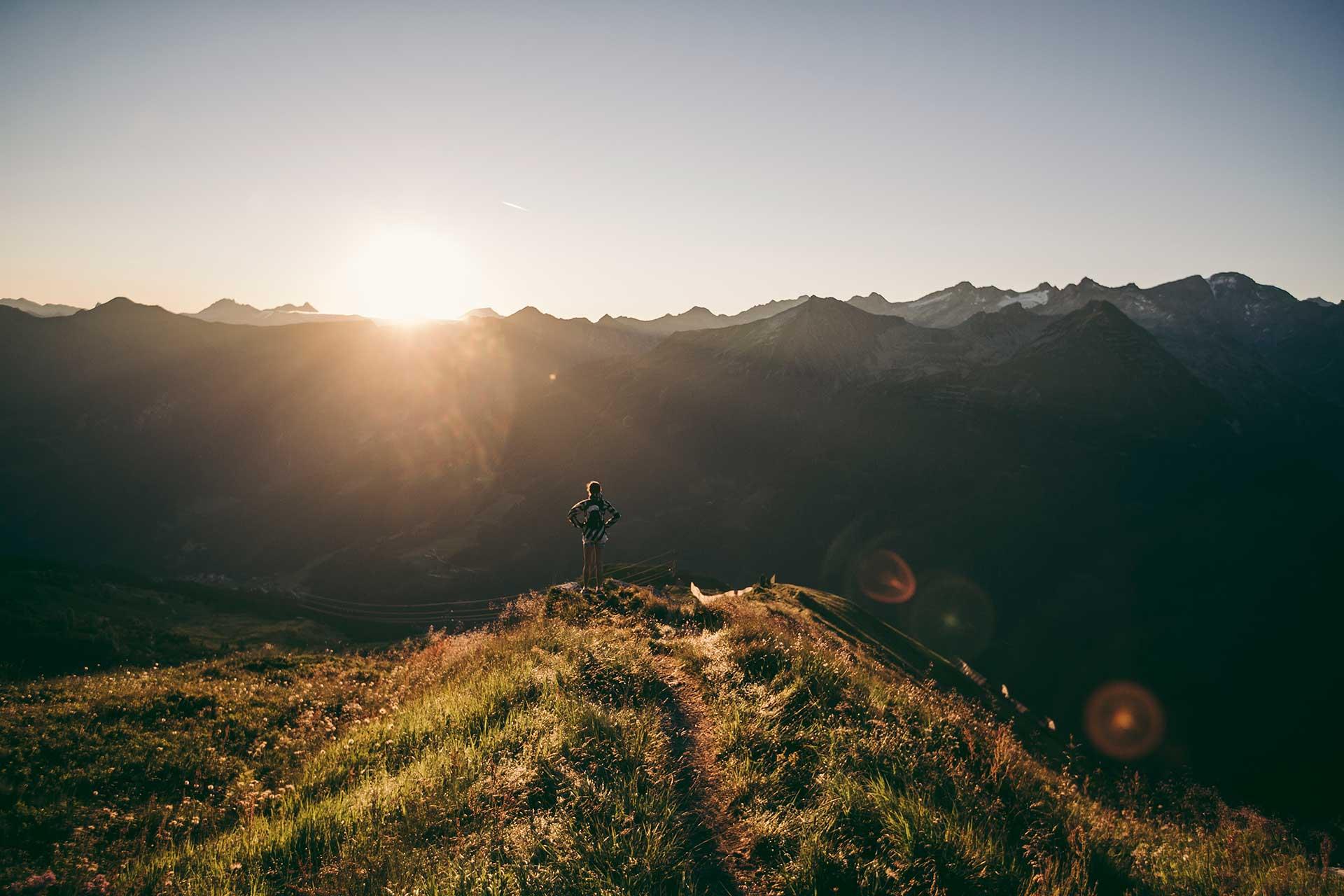 Trailrunning Fotograf Sport Outdoor Berge Sonnenuntergang Trail Fotoproduktion Berlin