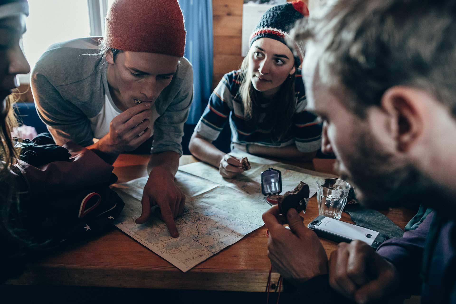 People Fotograf Skitour Freunde Norwegen Hütte