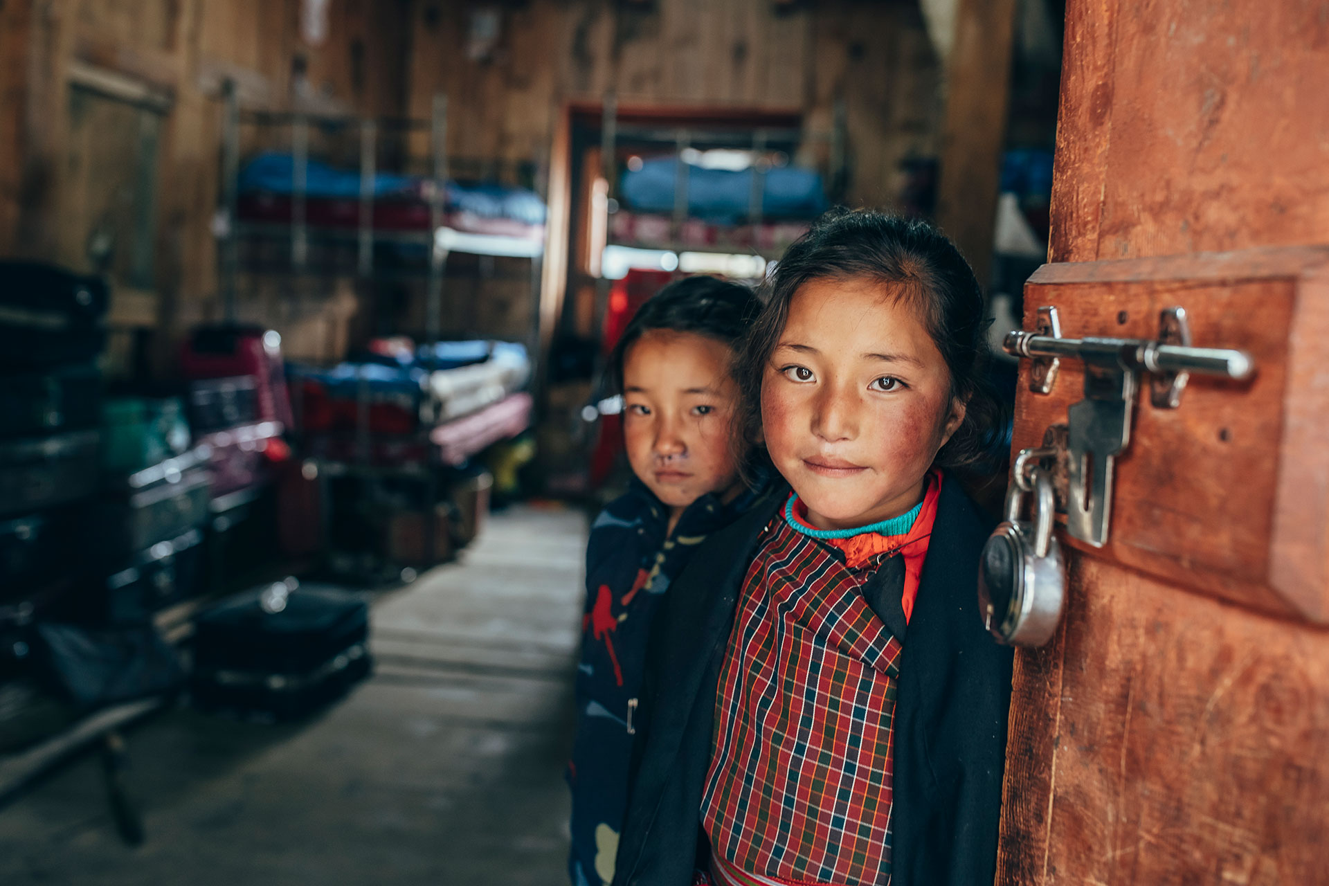 Kinder Fotograf Portrait Trekking Reise Bhutan Michael Müller