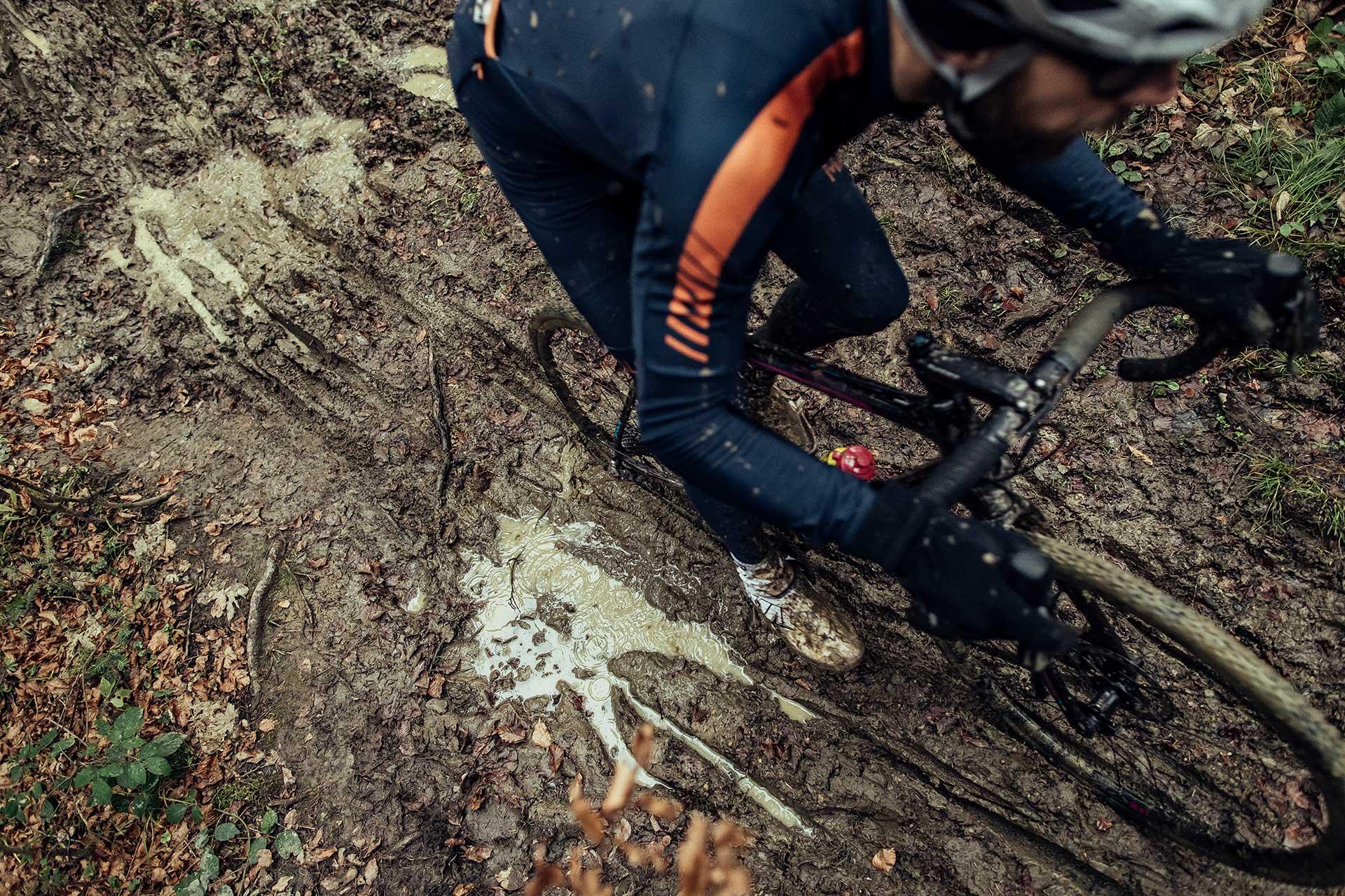 fotograf michael mueller sport crossbike schlamm wald deutschland duesseldorf- otoshooting