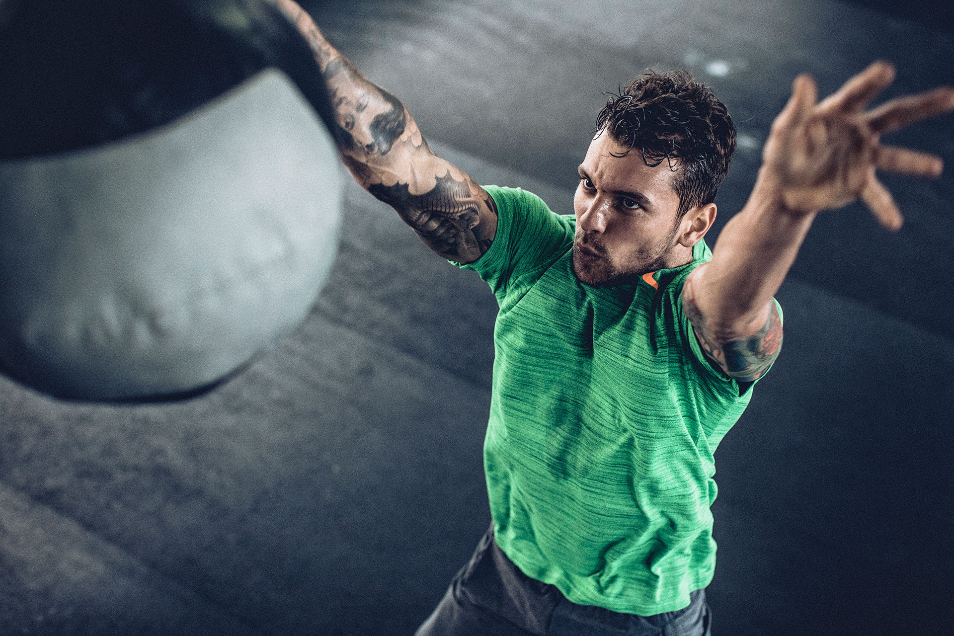 Aktion Gewicht Fotoproduktion Michael Müller Sport Lifestyle Fitness London UK