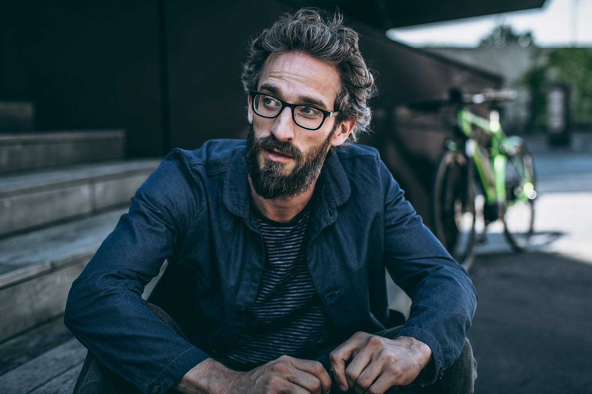Fahrradfahrer Stadtfahrrad Urban Portrait Michael Müller Wien Österreich