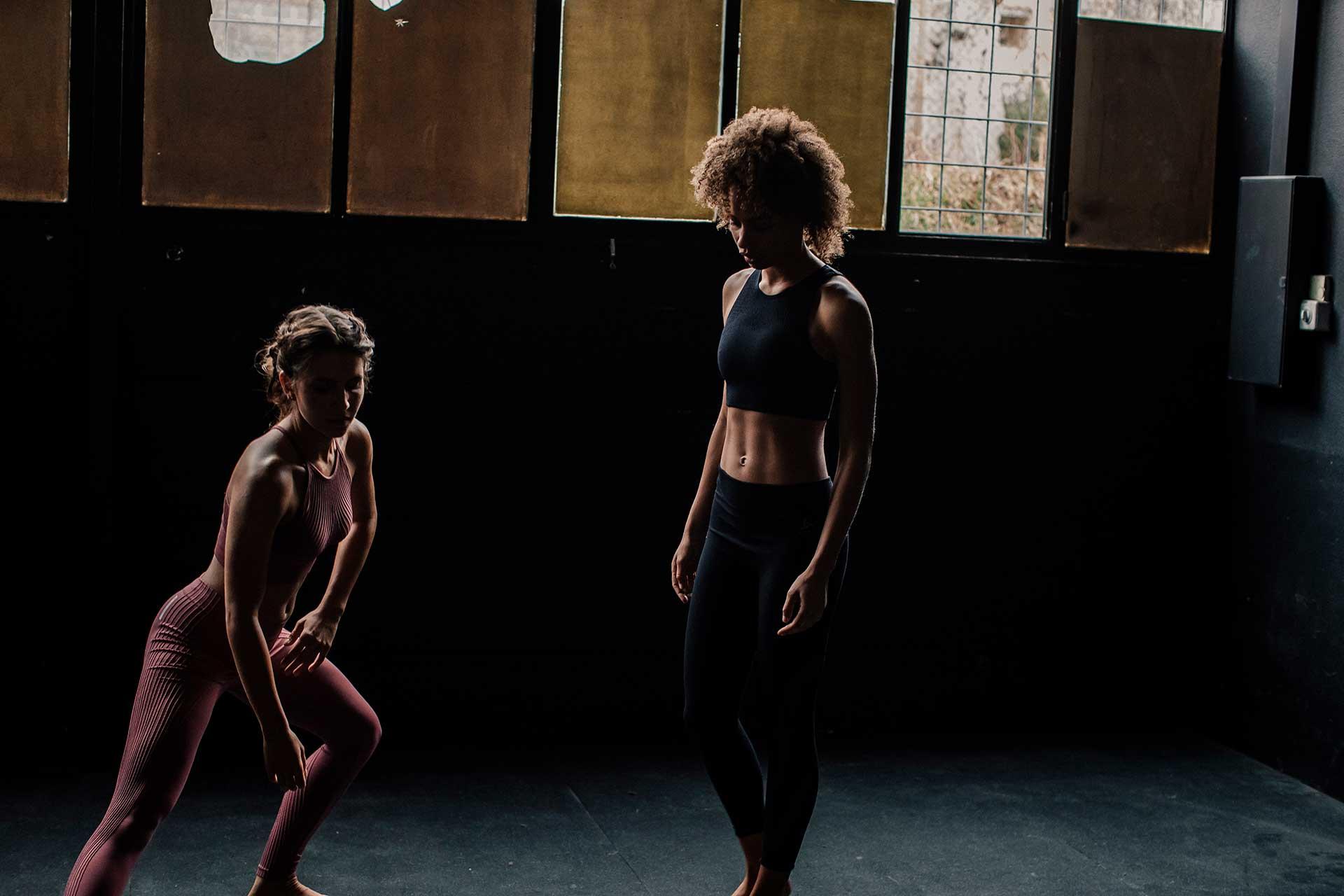 Fitness Frauen Kampagne Odlo Sport Steching Gegenlicht