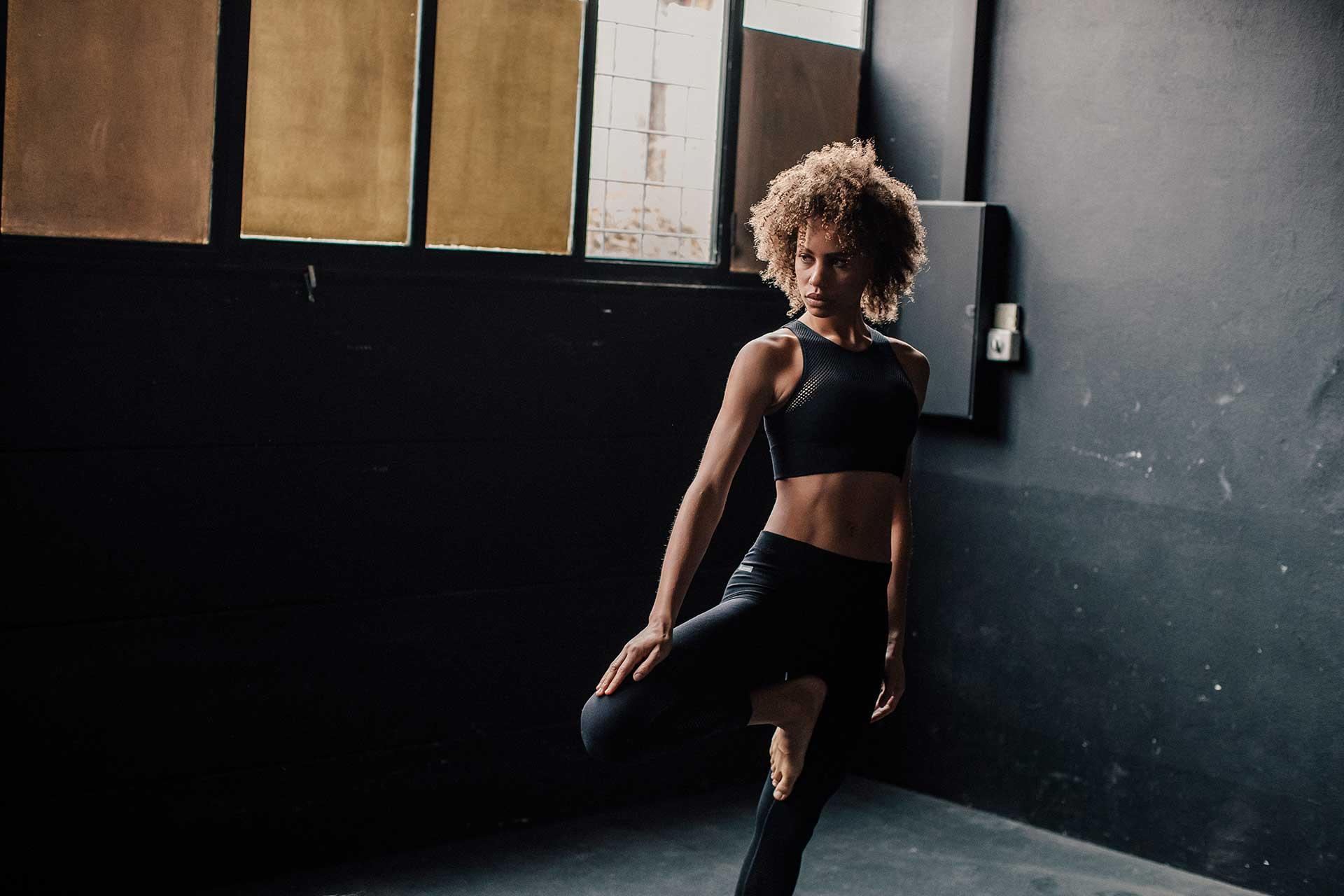 Odlo Workout Frauen Sport Model Fitness Bekleidung