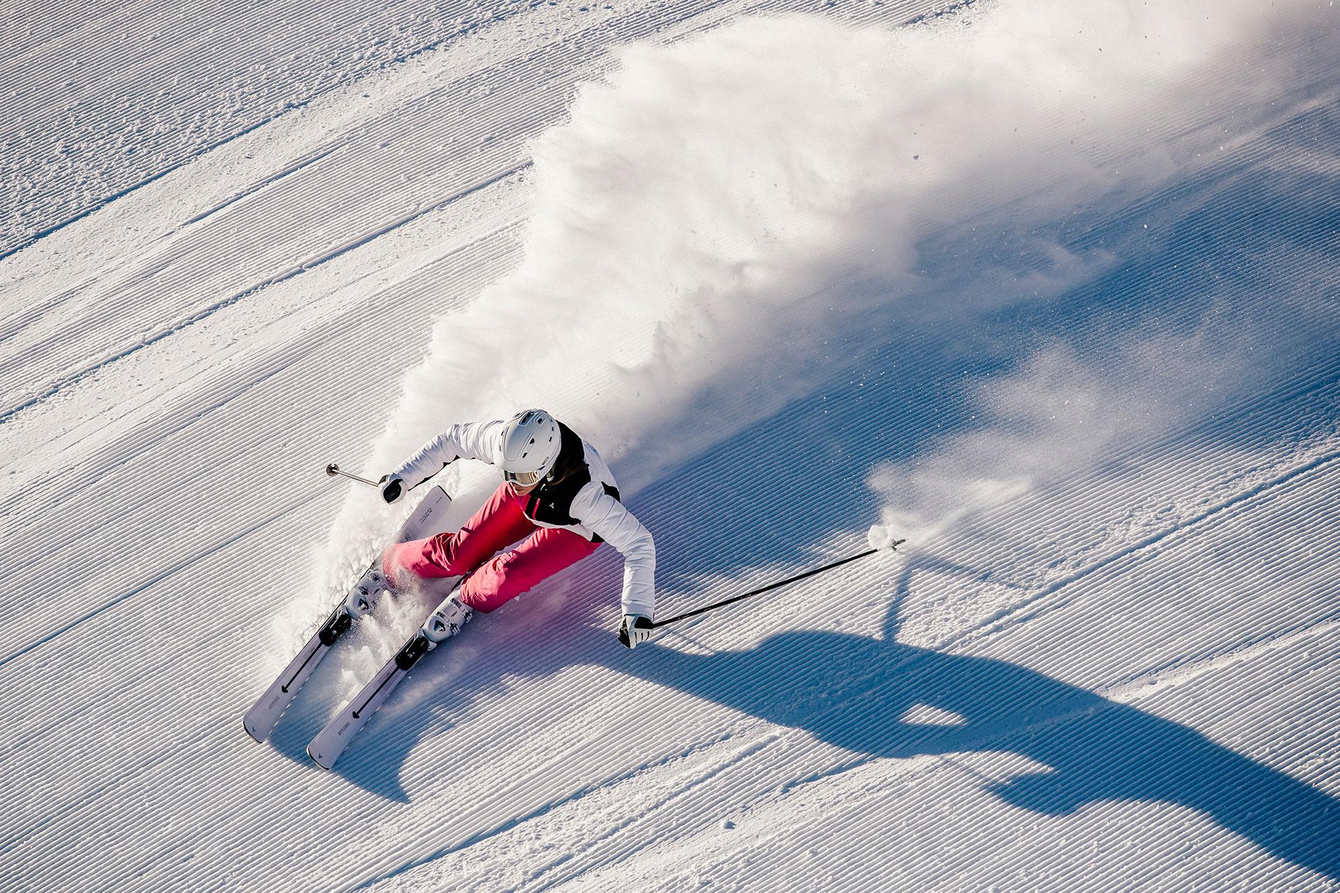 Ski Alpin Aktion Fotograf Michael Müller Carving Piste Winter Schnee Outdoor Sort