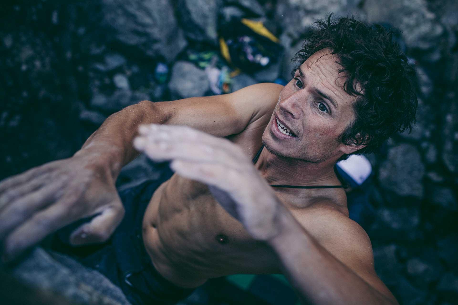 Portrait Sport Fitness Outdoor Klettern Fotograf Sport Scheck Kampagne Florenz Italien