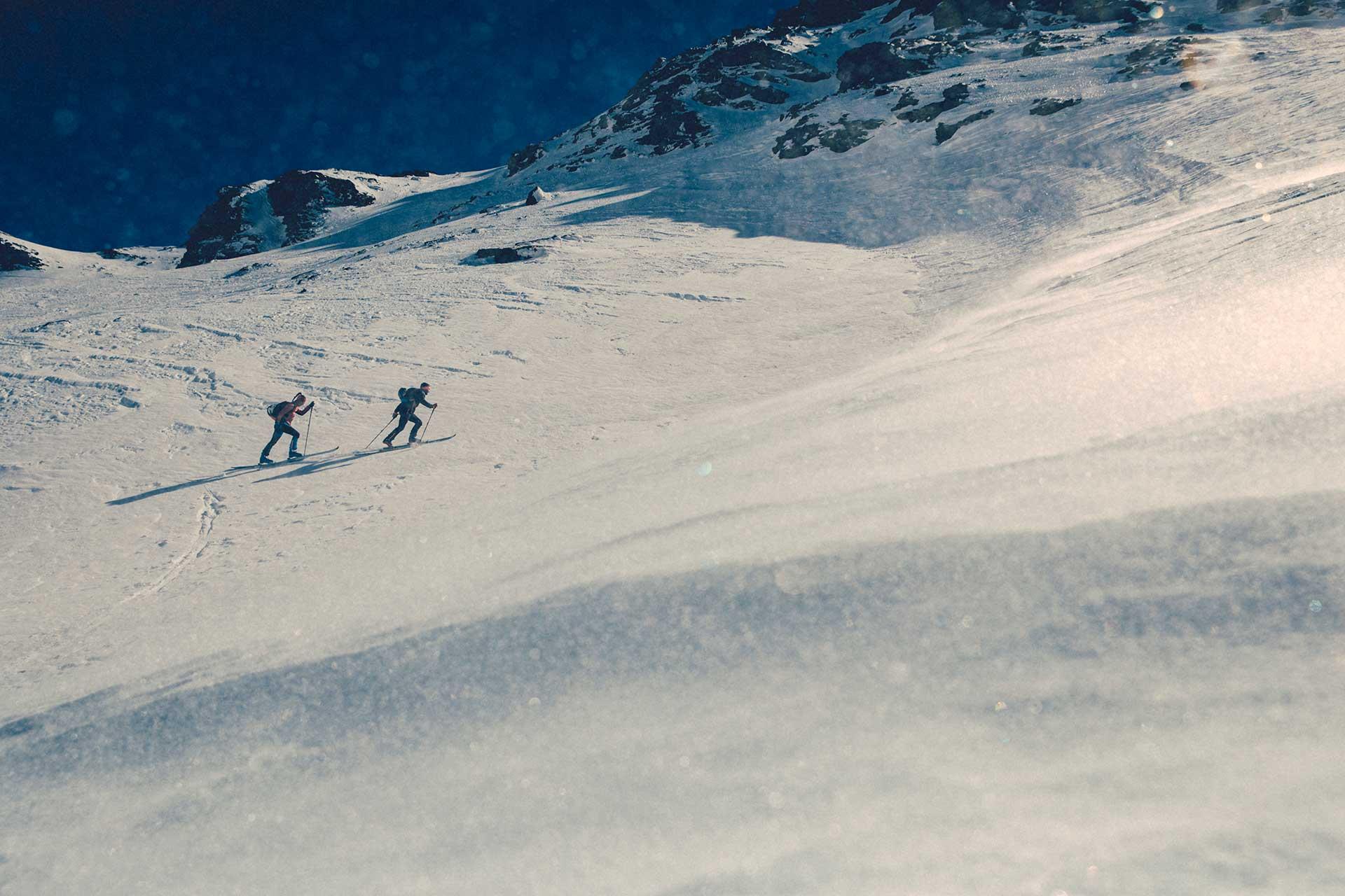 Fotograf skitour Aufstieg Bergsport Schnee Ski Winter Outdoor Michael Müller Hamburg