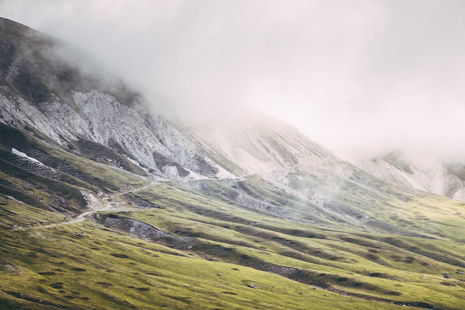 Landschaft Outdoor Fotograf Michael Müller Ebike Berge Wolken Landschaft