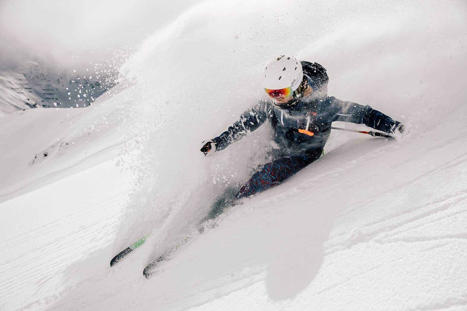 Tiefschnee Schwung Ski Winter Sport Fotograf Michael Müller München Aktion