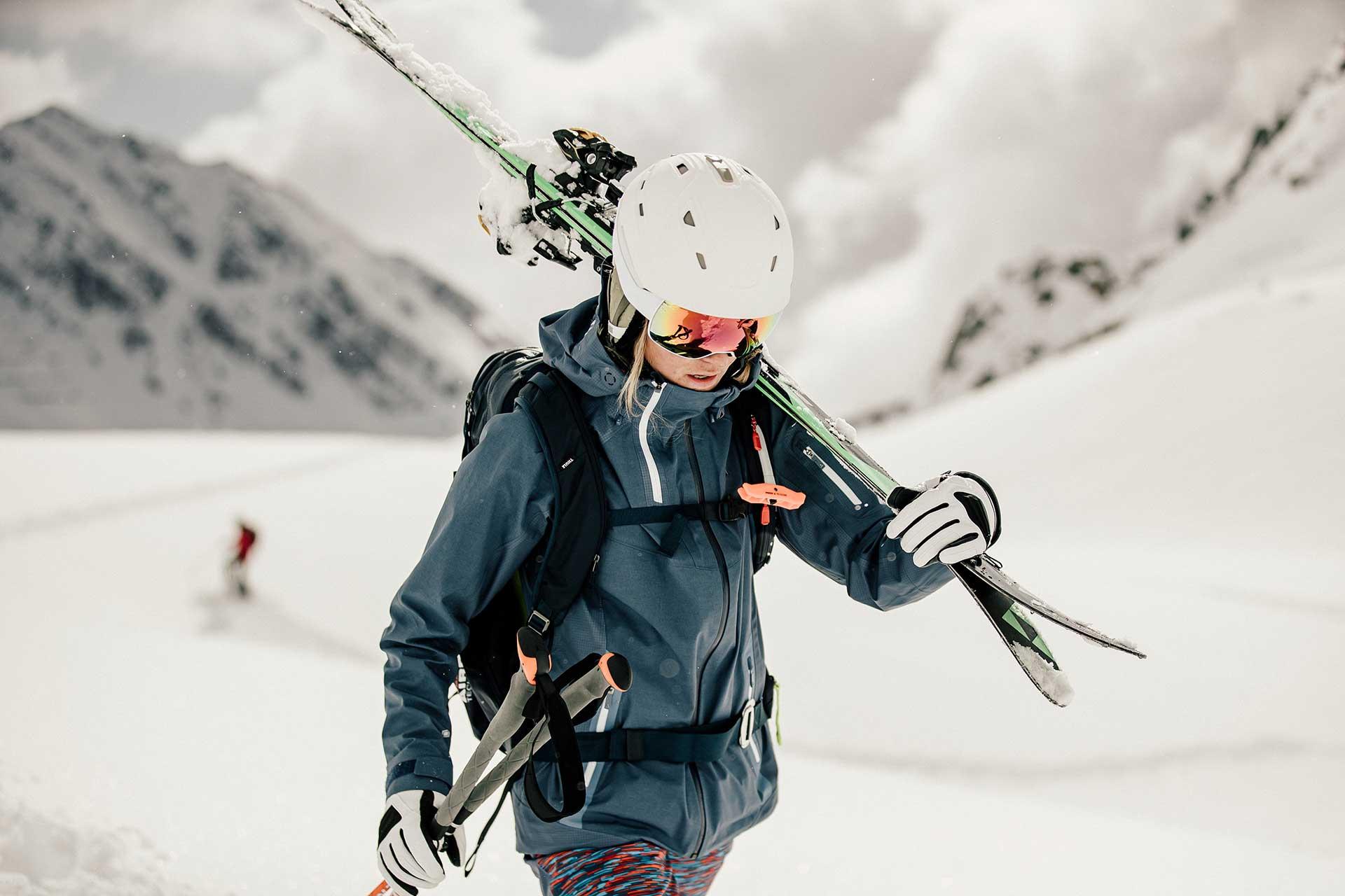 Pulverschnee Skisport Fotoproduktion Model Fotograf Michael Müller Berlin