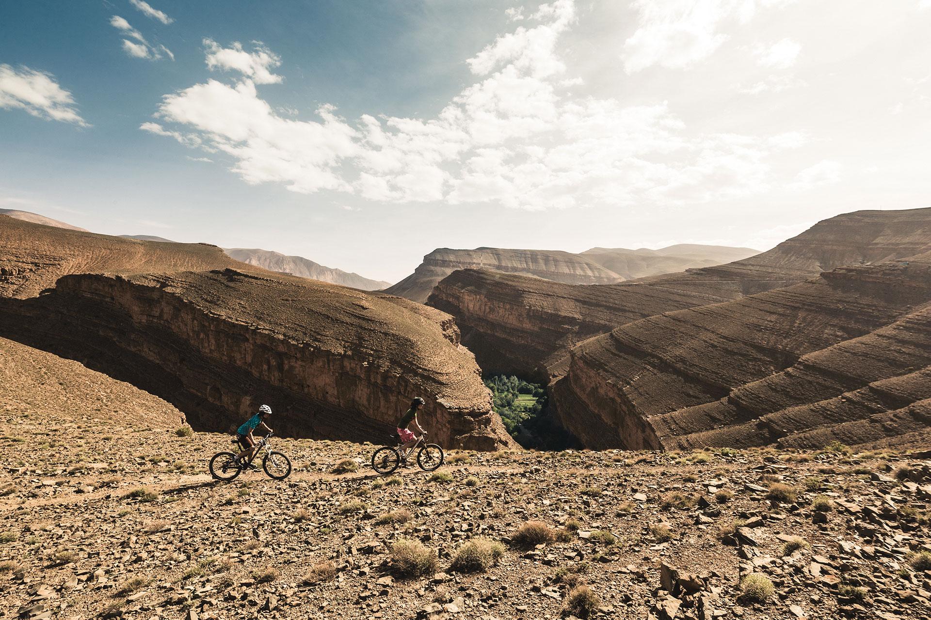 Mountainbike Landschaft Fotograf Marokko Katalogproduktion Hoher Dades Michael Müller