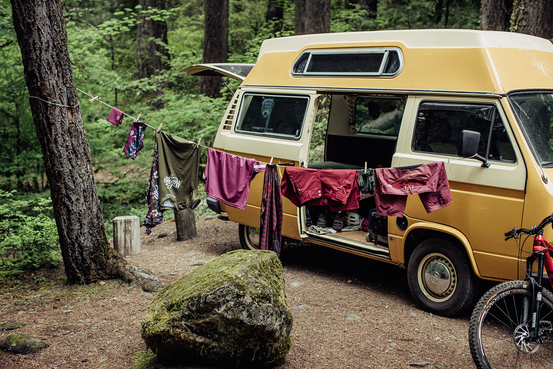 vanlife fotograf roadtrip road oregon vw bus deutschland camping