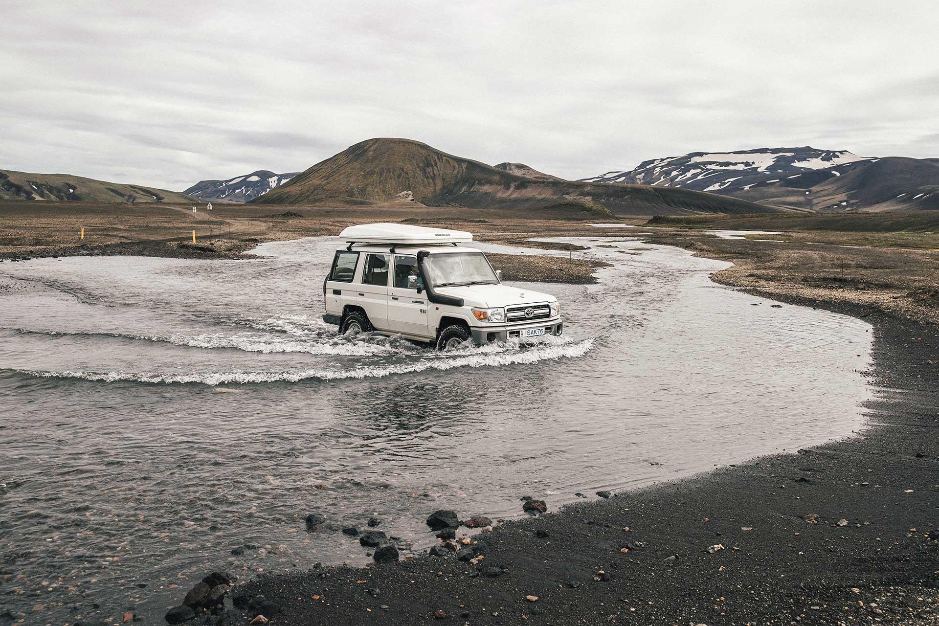 Toyota Landcruiser Travel Outdoor Fotograf Landschaft Panorama Island Abenteuer