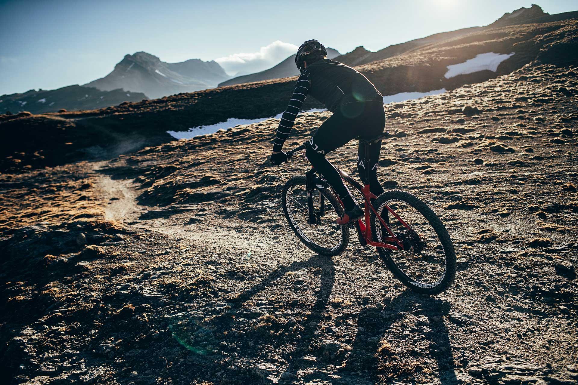 Aktion Sport Fotograf Michael Müller Berge Köln Mountainbike Moloja