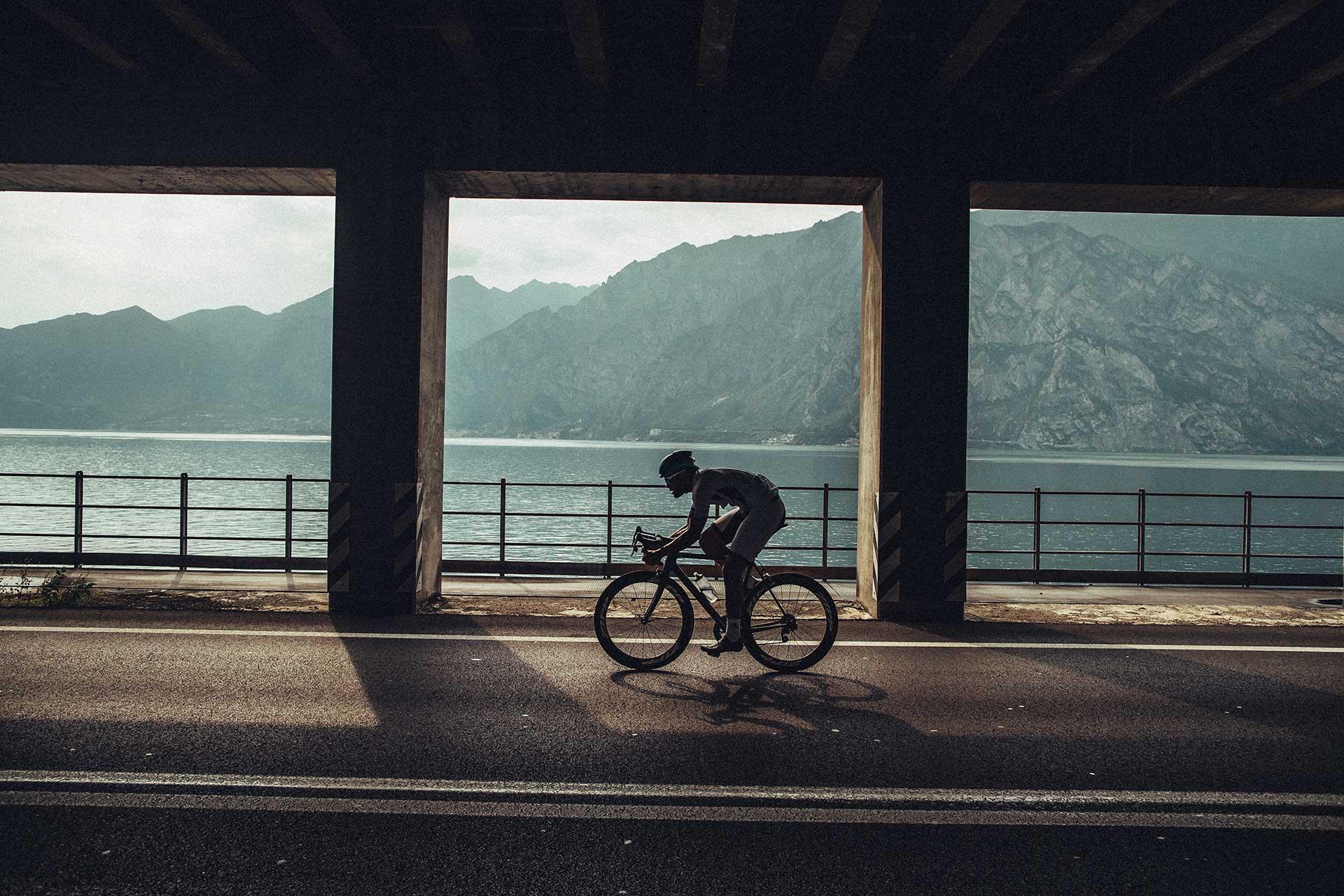 Gardasee Sport Rennrad Fotograf Straße Tunnel Frankfurt Fotoproduktion