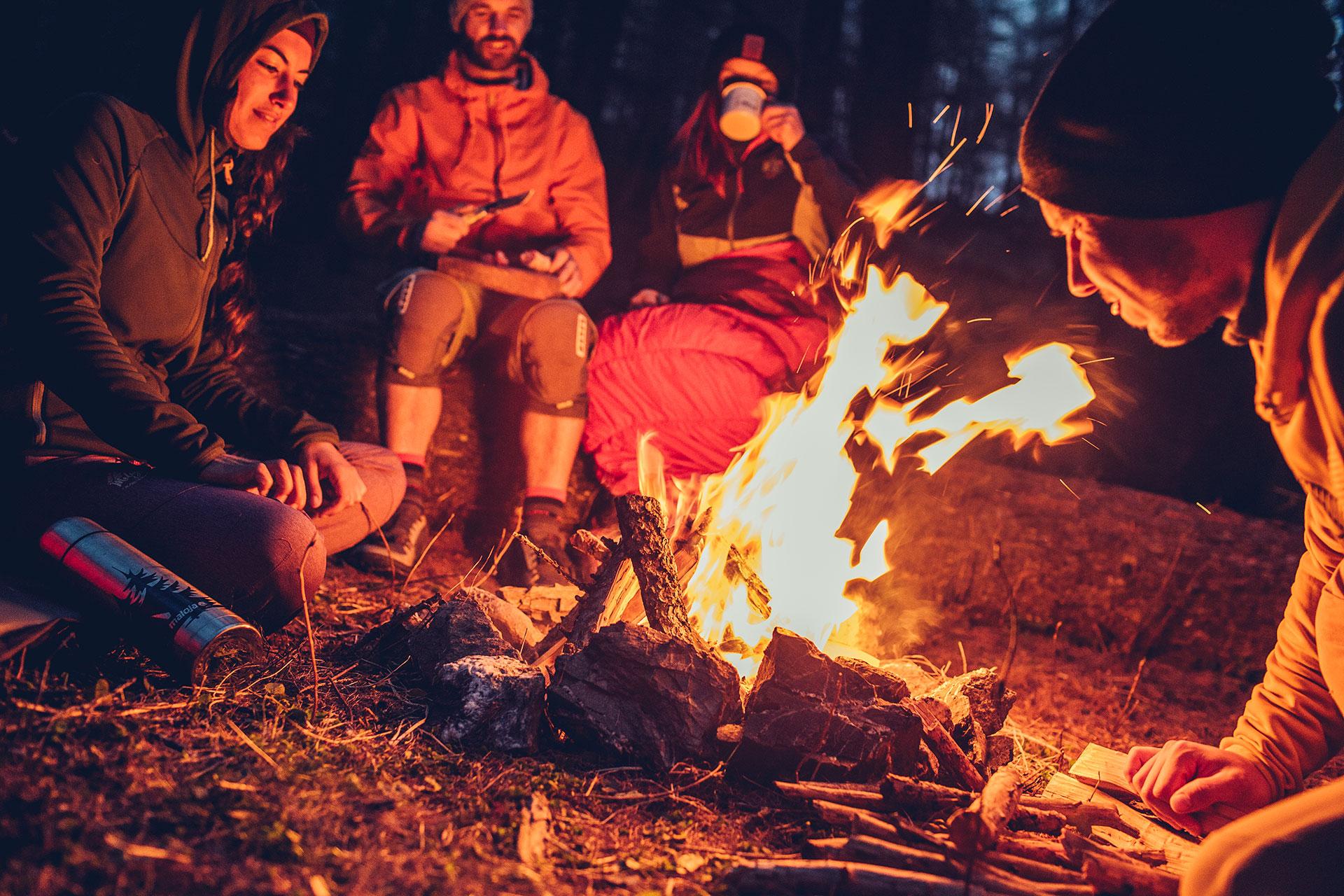 Fotograf Michael Müller Outdoor Sport People Mountainbike Deuter Campen Feuer