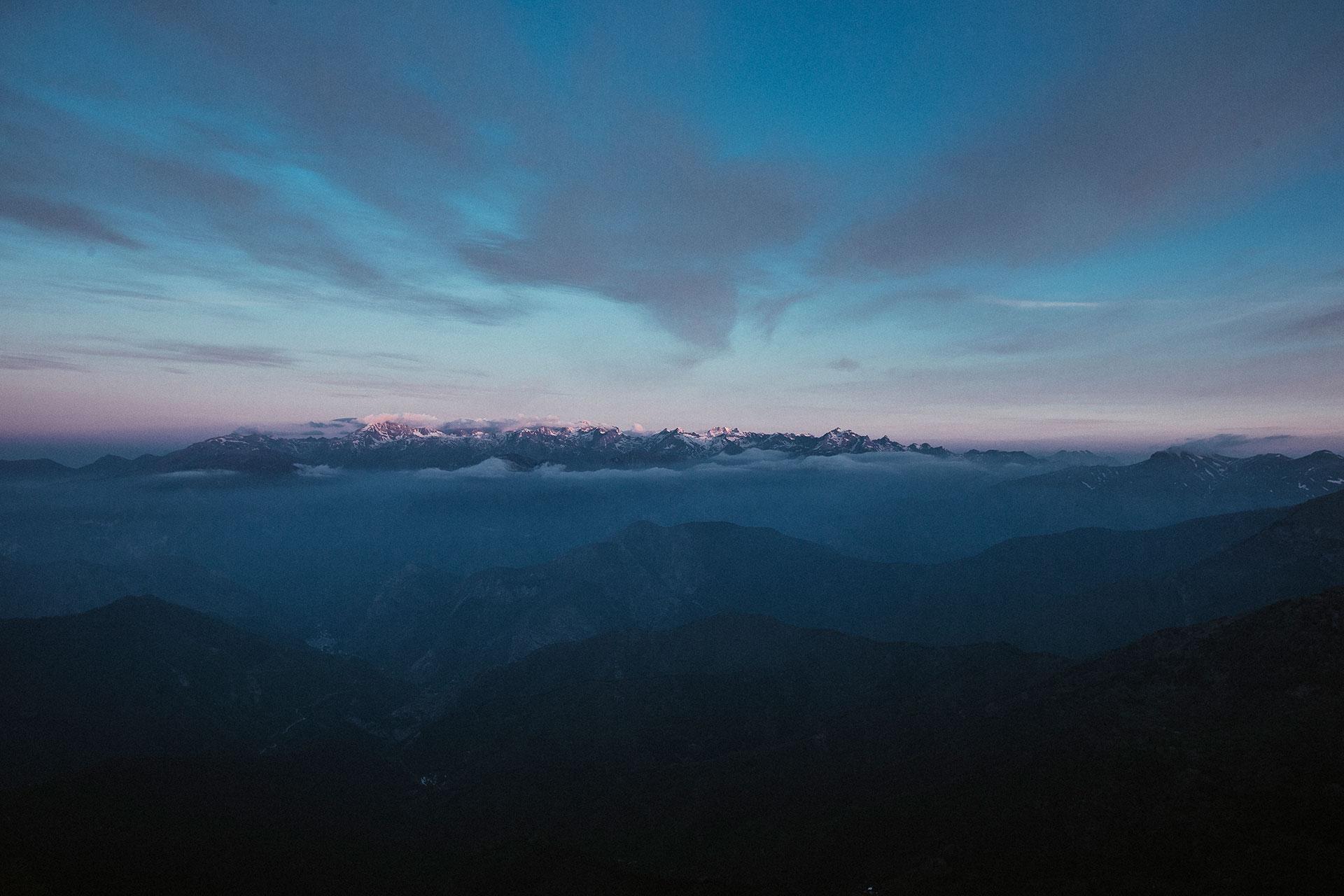 Blaue Stunde Berge Panorama Landschaft Fotograf Alpen Berge Maloja Katalog