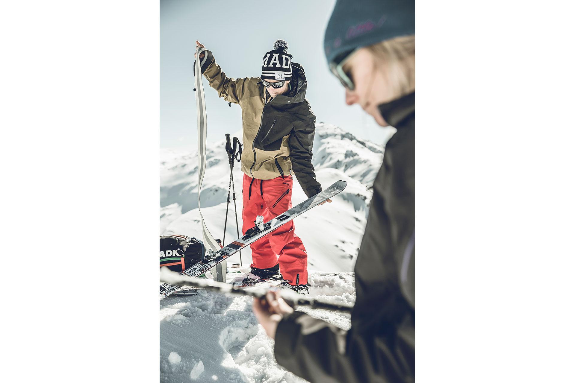 Skitour Fotograf Winter Sport Tiefschnee Aufstieg Felle Zürich Schweiz Michael Müller