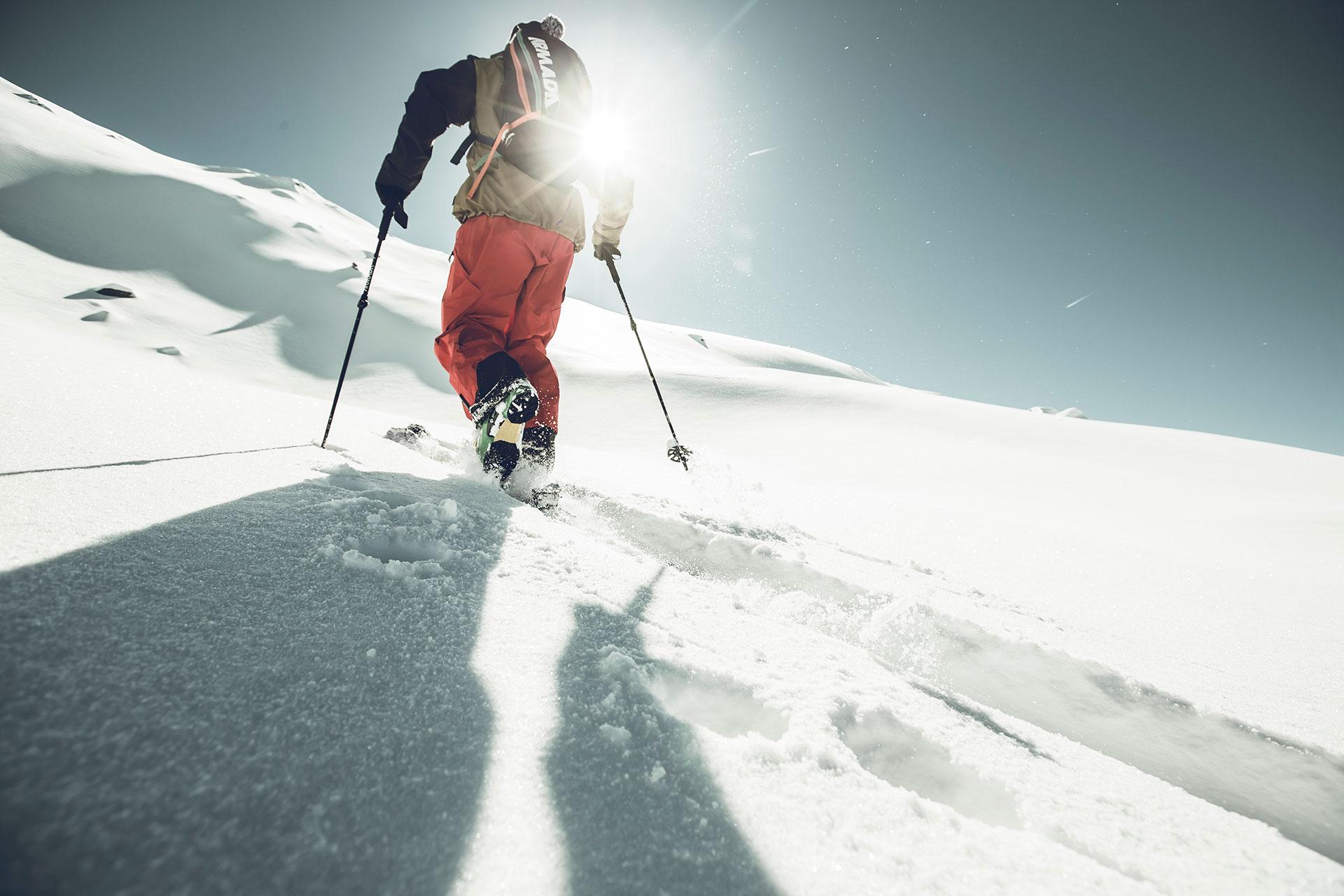 Skitour Landschaft Fotografie Winter Sport Powder Aufstieg RedBull Magazin Werbung Outdoor Zürich