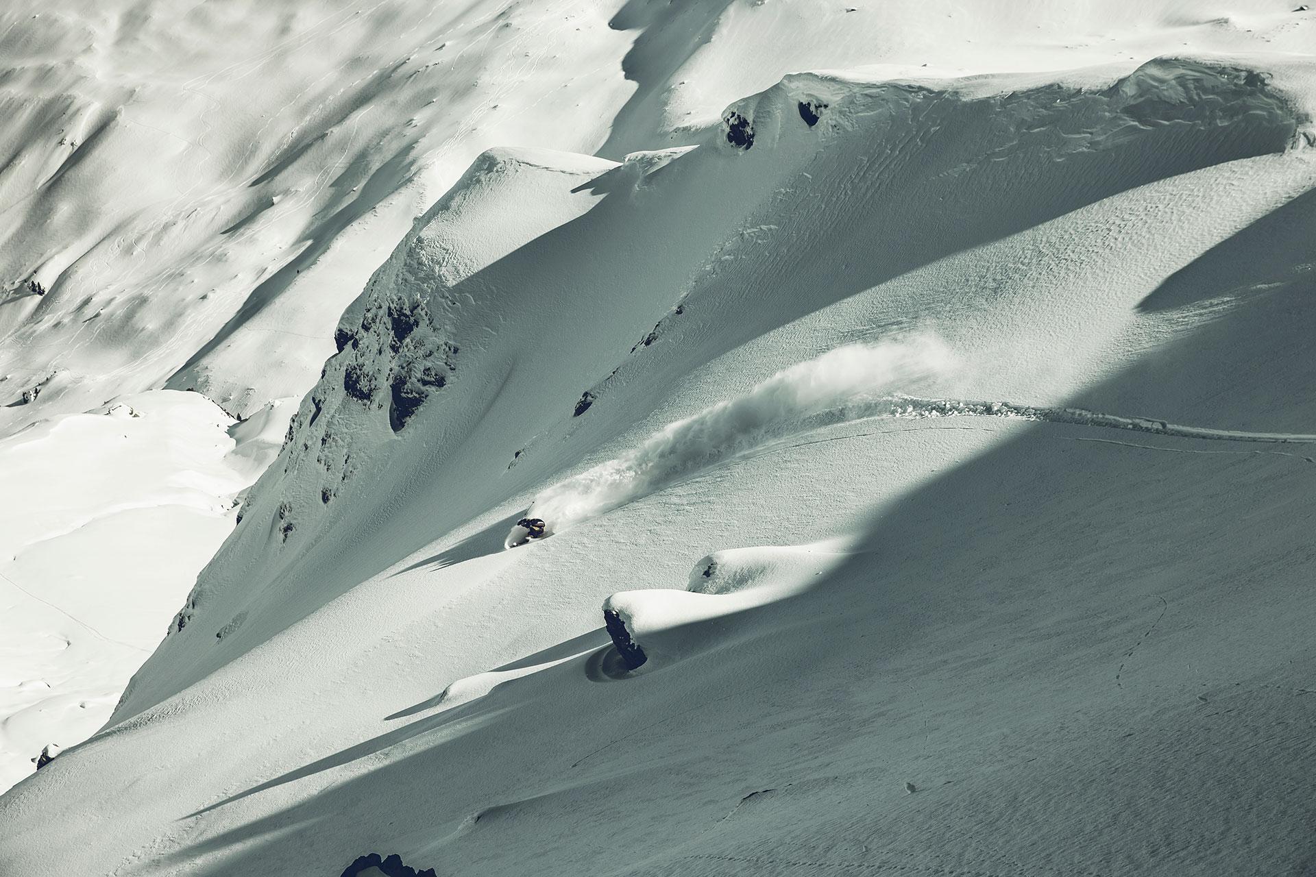 Tour Fotograf Winter Abfahrt Schwung Michael Müller Tiefschnee Splitboard Landschaft München