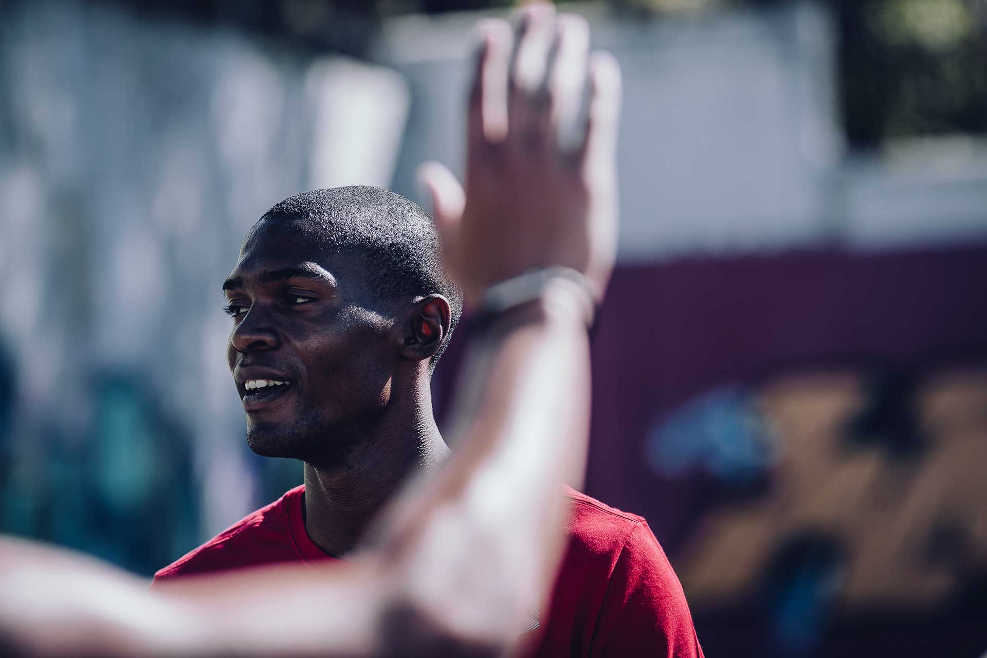 Porträt Sportfotograf Outdoor Highfive Training Basketball