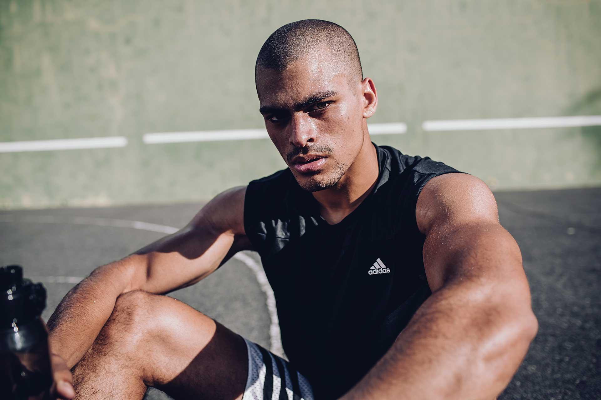 Sport fotograf Outdoor Fitness Training Basketball Schweiß Michael Müller