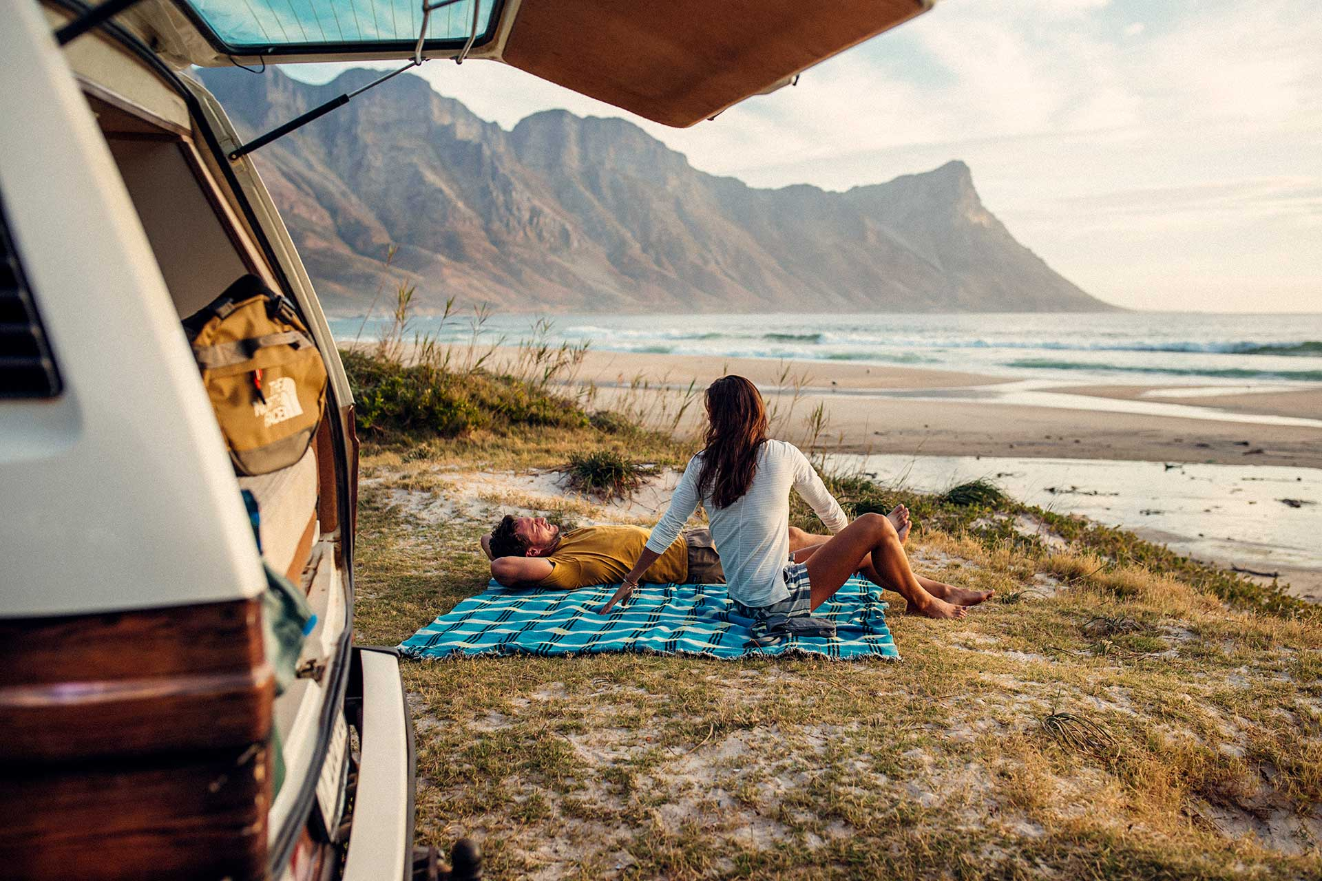 Vanlife VW Bulli Lifestyle Fotograf Strand Kapstadt Landschaft