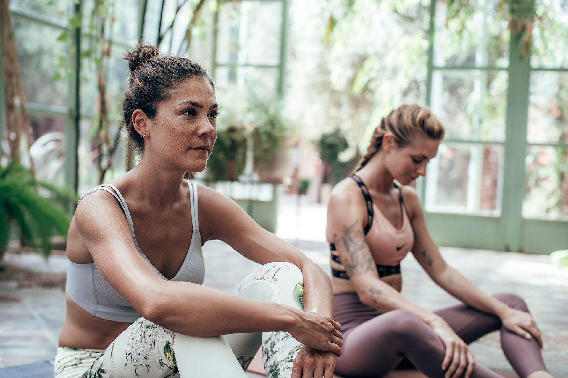 Engelhorn Sportbekleidung Fitness Yoga Meditation Frauen Fotograf London