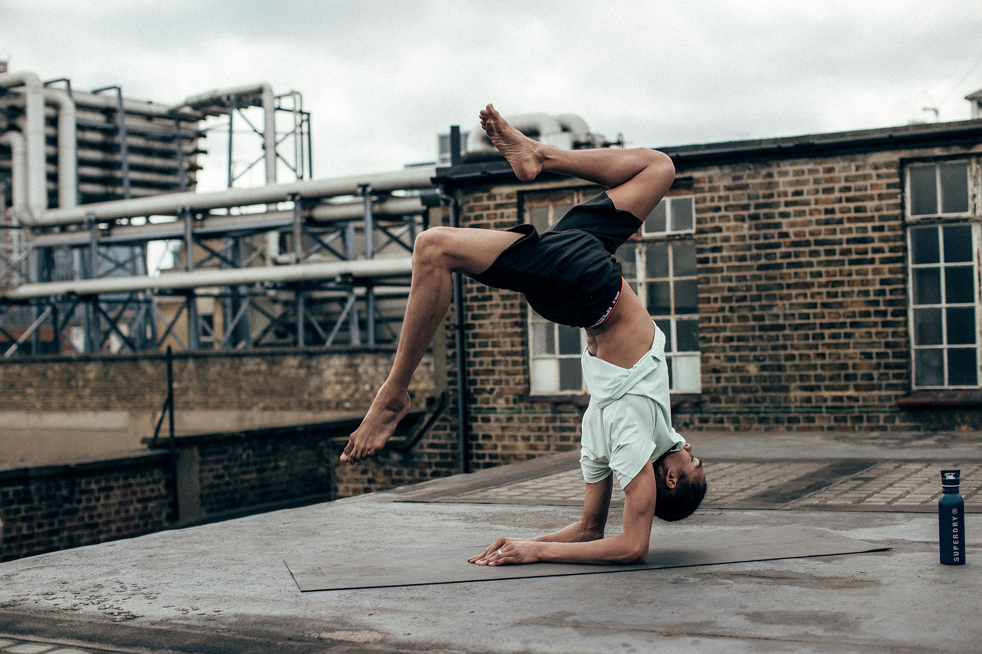 Lifestyle Rooftop Yoga Superdry Kampagne Sport Fotograf Michael Müller