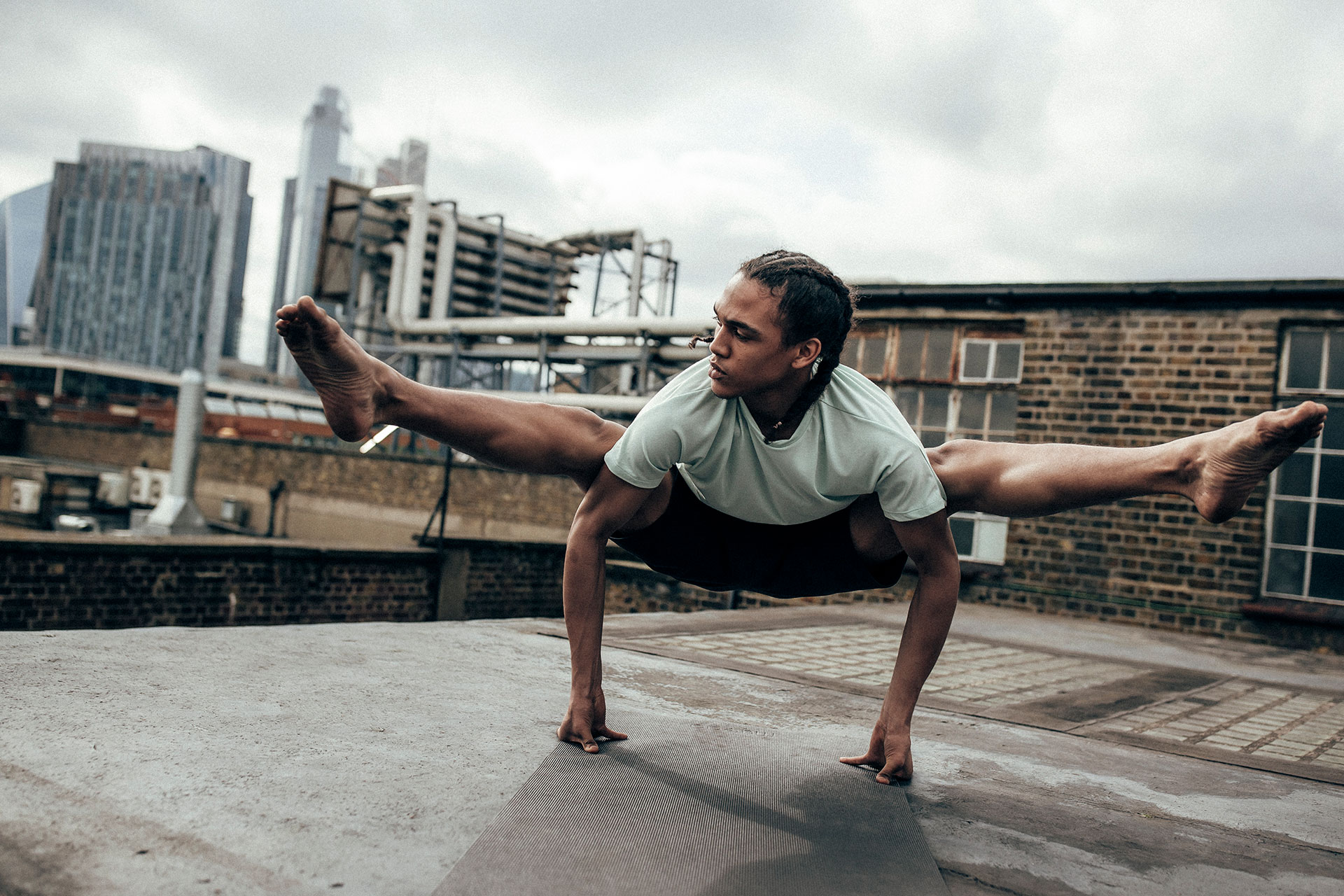 Fotograf Michael Müller Superdry Kampagne People Lifestyle Yoga England